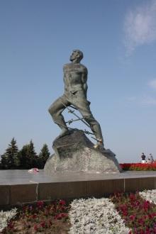 Estatua Muce Dzhalilyu