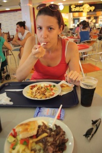 Comida Tartara con Kvas