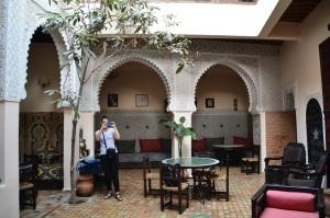¿Riad hostal o casi palacio oriental?