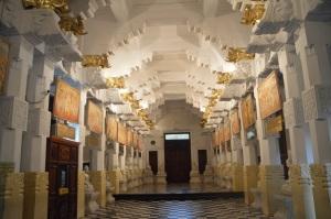 En el templo del diente