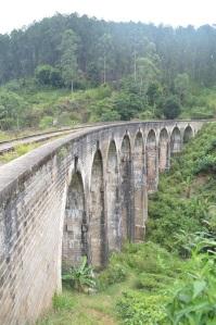 El puente de los nueve arcos