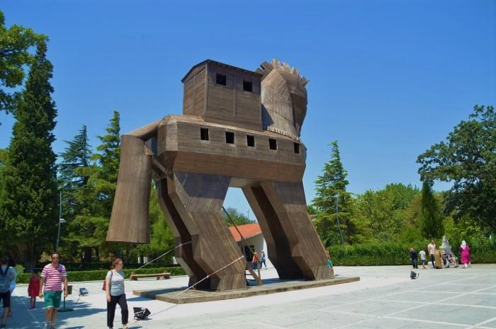 Caballo de Troya en Troya - Trojan horse in Troy