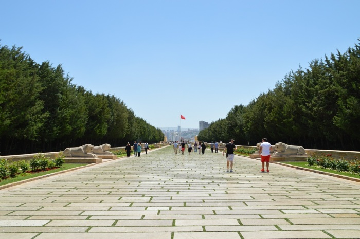 Entrada al complejo de Ataturk - Entrance to Ataturk complex