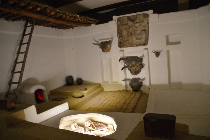Reconstruccion casa prehistorica - Prehistoric reconstruction
