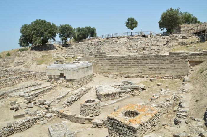 Ruinas de un altar romano - Ruins of roman altair