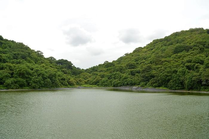 Lago en la isla Elefante - Lake in Elephant island