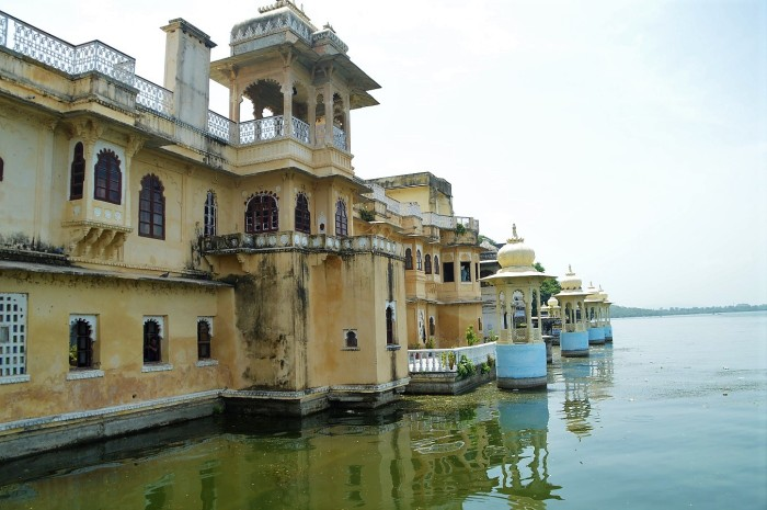 Palacios en el lago Pichola - Palaces by the lake Pichola